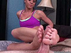 Goddess Rahyndee - Sweaty Foot Ejaculation 1
