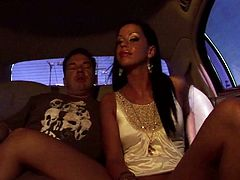 Alluring brunette spreads her long sexy legs wide to enjoy pussy eating and later gives her sex partner eager steamy blowjob right in the car.