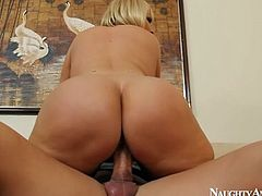 Huge ass of Mellanie Monroe on top in cock ride