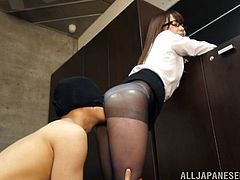 A burglar breaks into Ria Mikotori's house and lifts up the back of her skirt to see her panties and pantyhose. He pours lube onto her ass and fucks her over her clothes without penetrating her. He sticks his dick between her ass cheeks and thrusts. This burglar is a real pervert.
