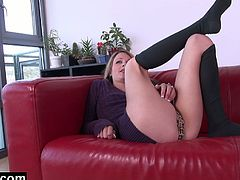 Check out this cute blonde girlfriend showing off her amazing body. She spreads legs wide and starts rubbing her pusy through her tiger panties!