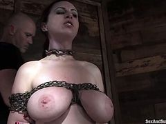 This smoking hot and naughty siren Mz Berlin is making herself feel fucking hot. Oh, man, this babe is so fucking sassy!