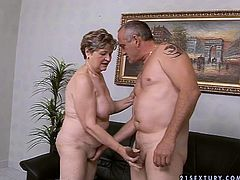 Too whorish fat oldie bows above the dick to give a solid blowjob for cum
