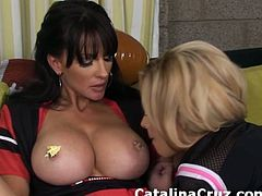 Busty Katie Kox playing with Catalina Cruz big boobs live on cam.Watch these hot big tits sucking each other big boobs and fingering.