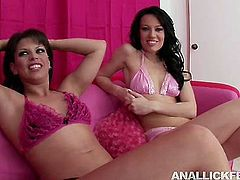 Appealing women Naudia Brown and Holly Wellin are wearing sexy bikinis looking extremely hot and seductive. They take off the top exposing their saggy boobs in front of camera.