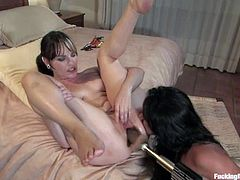 Two hot lesbians smash each other's holes with a fucking machine