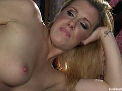 This kinky and slender honey Jessica Heart is acting so damn wild! Babe gets naked and that powerful fucking machine makes her stun fucking loud!