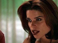 Denise Richards & Neve Campbell - Wild Things