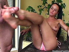 Goddess Rahyndee - Neighbor Trapped 1