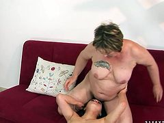 Immense brunette BBW gives face sitting to a sizzling student before they switch the roles and she is the one who grants tongue fuck. Later salty brunette stands in doggy pose exposing her anus for riming.
