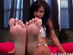 Taylor begging you to suck on her toes