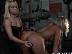 Welcome to dive into the ocean of bondage along with 21 Sextury xxx clip. Kinky blondie with sweet tits gets tied up with ropes. She stands on her knees and gets her pussy rubbed by spoiled slim blond lesbian.