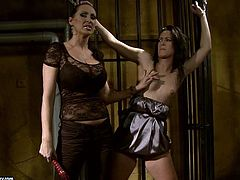 21 Sextury xxx clip is what you need to gain delight. Kinky slim and pale brunette is tied up with ropes. Dominant bitch jams her pale tits and causes her loud moans of delight in this dark frightening room.