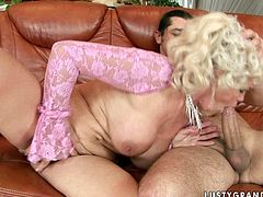 Ardent curvy blond mature BBW gets her hairy vagina nailed from behind in sideways position before she welcomes massive cock in side her mouth to give a deepthroat blowjob.