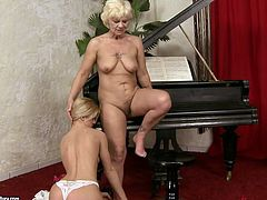 Dude, don't pass by this steamy 21 Sextury xxx clip. Kinky all naked blond dyke spreads legs on the piano. Old fat lesbian starts eating her wet juicy pussy to make this nympho moan of pleasure right away.