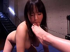 asian mistress use lesbian feet slave