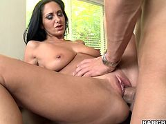 Bitch totally humps this stud in this amazing hardcore scene that will make you go fucking ballistic, hit play and check it out!
