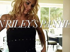 babe riley wants to play kinky