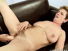 This babe knows that she is driving her lesbian friend crazy. She sits on her face and lets her get a taste of her delicious fanny.
