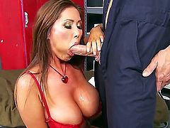 Johnny Sins explores the depth of flirty Kianna Diors wet pussy hole with his love torpedo