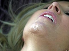 Big meloned milf Julia Ann gets her pussy hammered