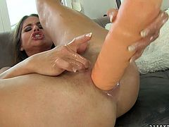 Ardent ample brunette hottie with Latin roots Rosa fucks her moisturized asshole with thick dildo before she keeps getting anal fucked by a dildo machine.