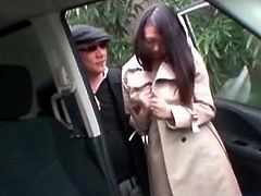 Asian hitchhiking and flashing teen temps a stranger