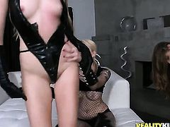 Blonde Jessi Andrews gets turned on then poked by (Talk to This Girl