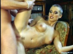 And thats called a damn blowjob! Lynn Stone is a super short haired and such a desirable babe! She fucks her boss and swallows his cum!
