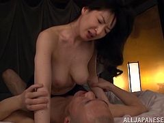 Curvaceous Japanese MILF in pantyhose gets her vagina licked and fingered. Later on she sucks the guy off and gets fucked on the floor.