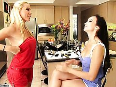 Blonde Katsuni has lesbian sex session of her lifetime with Sandy