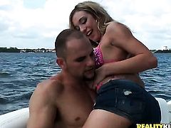 Blonde stunner Amy Brooke stick his schlong in her ass