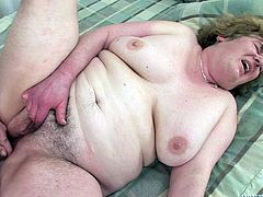 inside her old and hairy pussy @ i wanna cum inside your grandma #06