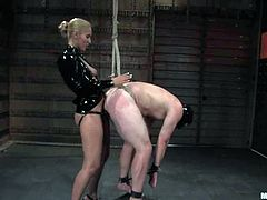J Seven getshis ass fucked by hot dominatrix Isis Love