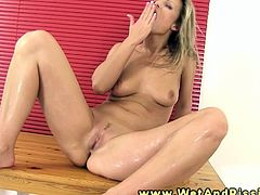 Pee fetish hottie fulls bowl with urine