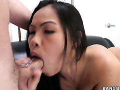 Oriental Cindy Starfall is happy with love cream on her lovely face