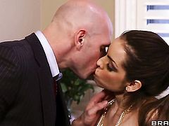 Johnny Sins gets pleasure from fucking Yurizan Beltran with juicy melons in her love tunnel