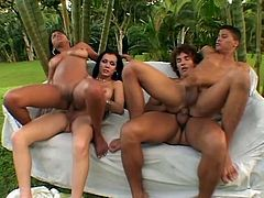 This is an amazing outdoor orgy. Sexy brunette girl gets fucked by a shemale while the guy gets rammed by another dude. Of course everyone in this video sucks a dick.