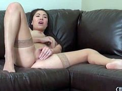 London Keyes masturbates in tan stockings
