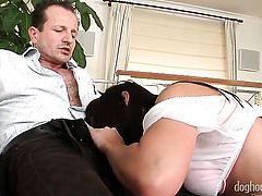 Simone Style gets a mouthful of jizz after blowing George Uhls meat pole