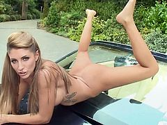 Superb blonde loves to pose her pink pussy in crazy outdoor solo sessions