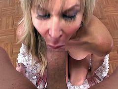 Slutty mom Erica Lauren feels amazing with huge dick deep in her warm throat