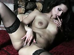 Nasty sweetie Chelsea French cant stop playing with herself