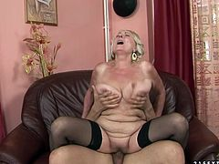 This old woman always gets what she wants. She spreads her legs wide to let her lover get a taste of her delicious pussy. Then he fucks her fanny in missionary position.