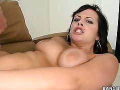 Well-endowed harlot Lindy Lane finds her nice face covered in cum in sexual ecstasy