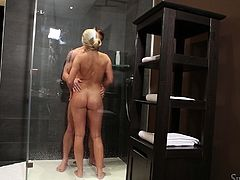 Amazing and luscious blondie Barra Brass gets naked and meets Matt Ice in the shower. Honey slides her mouth down to his cock and sucks it!