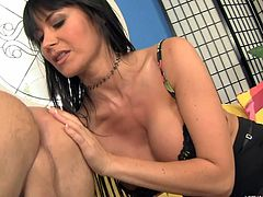 eva karera gives rimjob to guy