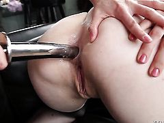Bobbi Starr has some time to get some pleasure with lesbian Alysa