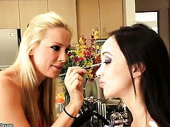 Blonde oriental Sandy gets her slit touched by Katsuni