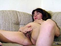 Threesome with a pregnant milf